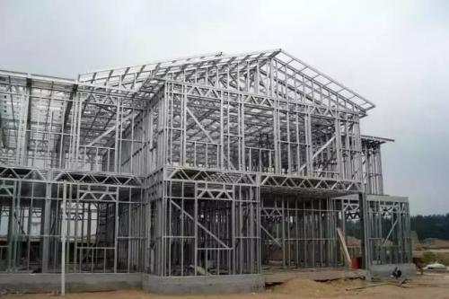 钢结构建筑应用众多,起到了不可缺少的效用